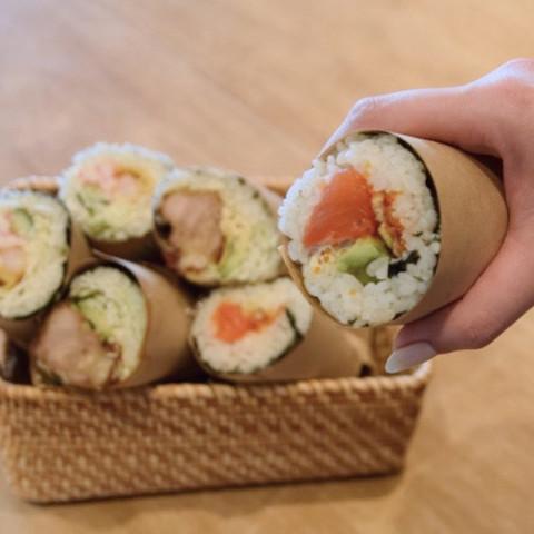 ブーム到来の兆し!片手でパクッと食べられる「寿司ブリトー」を作ってみた♪