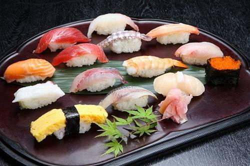 「寿司」「鮨」「鮓」…すしを表す漢字、どう違うの?