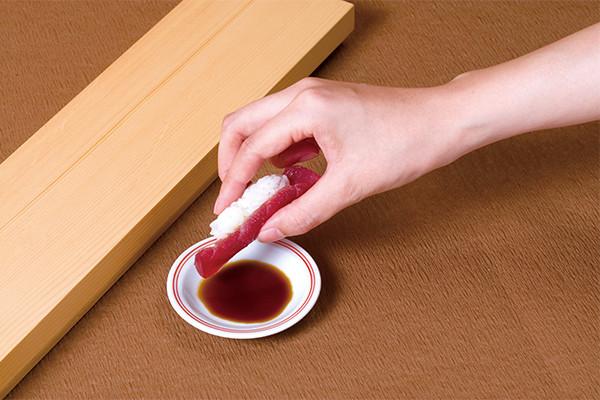 すきやばし次郎が教える、正しいお鮨の食べ方