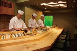 伝説の寿司職人が不利な条件の「ハワイ」で成功できた理由 ~『旅する江戸前鮨 「すし匠」中澤圭二の挑戦…