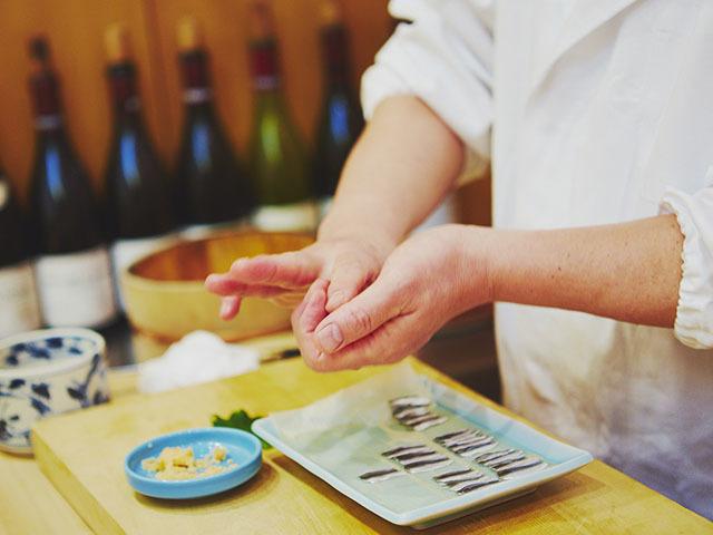 夏の今こそ旨い、必食の寿司ダネ「新子」