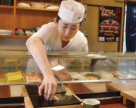 女性の寿司職人を見かけないのは、なぜ?