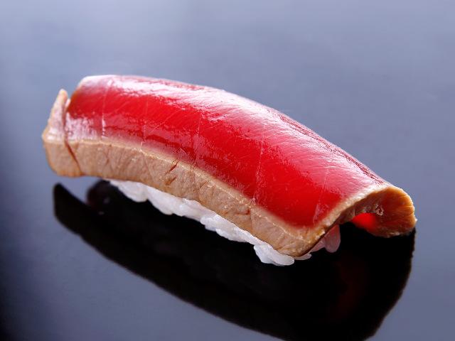 トロ発祥の鮨屋がここ! 江戸前鮨の伝統を今に伝える、鮨の楽園『吉野鮨本店』