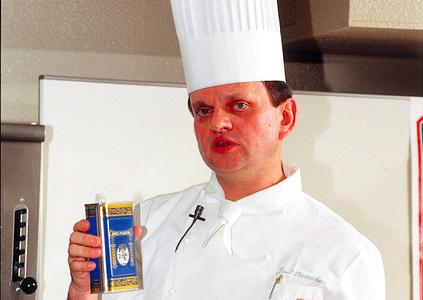 美食を牽引したロブションさん 名寿司職人がうなった鼻