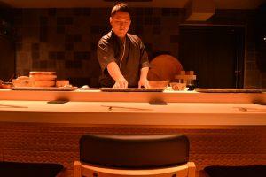 「熟成鮨」と「熟成肉」の違いとは? 気鋭の新店「万」に神髄を聞いた!