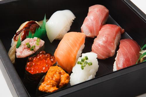 関東と関西で違う「寿司」のスタイル…中身と歴史を解説