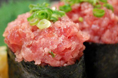 偶然にできた寿司ネタ「ネギトロ」その由来の秘密